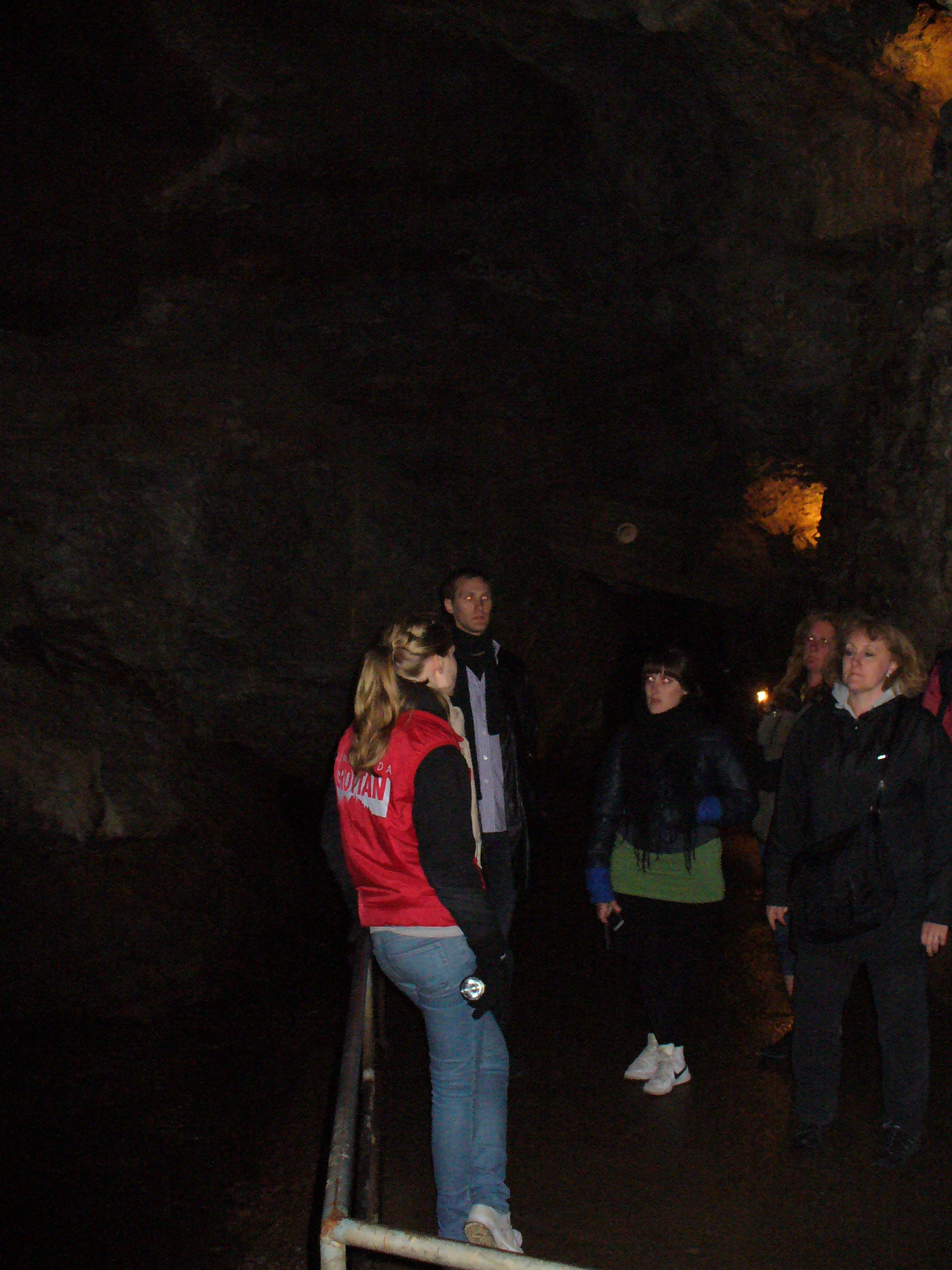 Besök i Lummelundagrottorna
