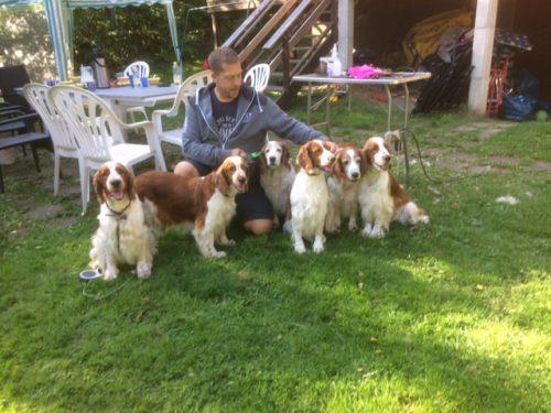 Dino med mamma Pralin,farmors mor Stava ,faster Elektra,farmor Jasemine och syster Afrodite